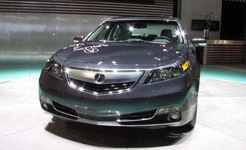 Automotive design, Vehicle, Land vehicle, Car, Automotive lighting, Headlamp, Glass, Technology, Hood, Grille,