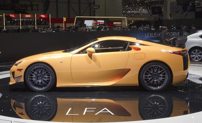 https://hips.hearstapps.com/roa.h-cdn.co/assets/cm/14/47/1280x782/546b6f1f4b8bb_-_2012-lexus-lfa-nuerburgring-package-lg.jpg?resize=768:*