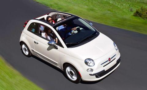 Wheel, Motor vehicle, Automotive design, Vehicle, Automotive mirror, Land vehicle, Rim, Alloy wheel, Car, Vehicle door,