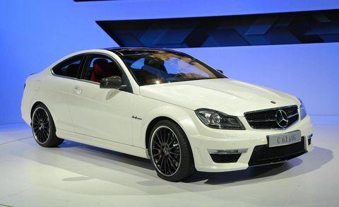 Tire, Wheel, Automotive design, Vehicle, Automotive tire, Alloy wheel, Mercedes-benz, Car, Rim, Hood,