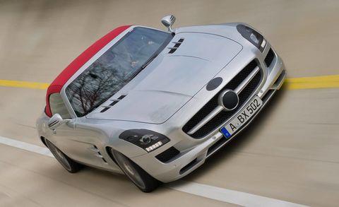 Tire, Automotive design, Mode of transport, Vehicle, Automotive exterior, Hood, Performance car, Grille, Car, Headlamp,
