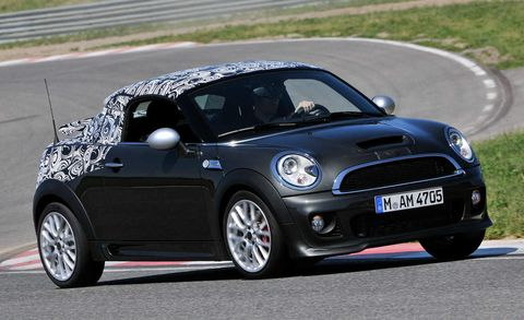 Tire, Automotive design, Vehicle, Automotive mirror, Land vehicle, Road, Car, Vehicle door, Road surface, Asphalt,