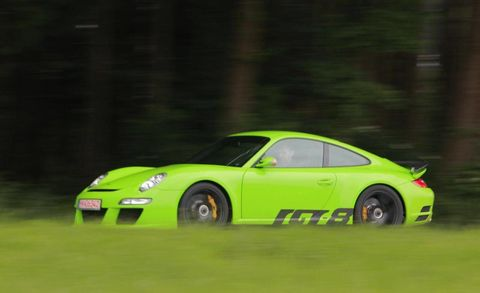 Tire, Wheel, Vehicle, Yellow, Automotive design, Land vehicle, Performance car, Car, Motorsport, Sports car,