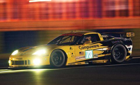 Tire, Wheel, Automotive design, Vehicle, Motorsport, Car, Performance car, Sports car racing, Race track, Racing,