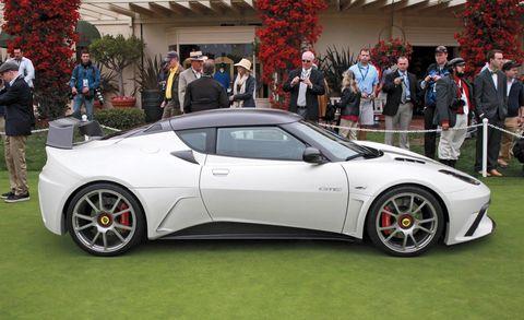 Tire, Wheel, Automotive design, Mode of transport, Vehicle, Land vehicle, Rim, Performance car, Car, Supercar,
