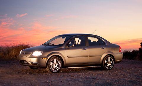 Tire, Wheel, Automotive design, Automotive mirror, Vehicle, Sky, Land vehicle, Alloy wheel, Rim, Automotive wheel system,