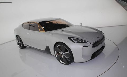 Tire, Wheel, Motor vehicle, Automotive design, Product, Vehicle, Automotive tire, Rim, Headlamp, Automotive lighting,