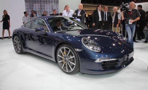 Tire, Wheel, Automotive design, Vehicle, Land vehicle, Car, Performance car, Rim, Fender, Personal luxury car,