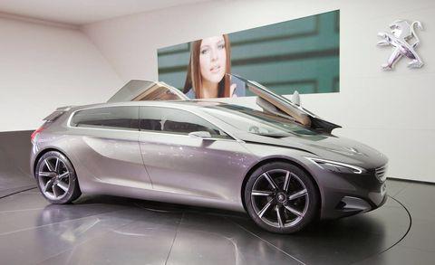 Tire, Wheel, Automotive design, Mode of transport, Vehicle, Transport, Concept car, Car, Alloy wheel, Personal luxury car,