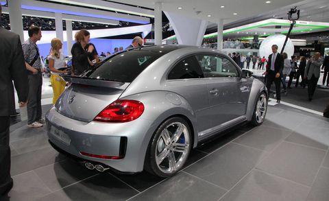 Automotive design, Vehicle, Land vehicle, Car, Automotive tire, Fender, Alloy wheel, Automotive wheel system, Auto show, Exhibition,