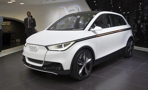 Tire, Wheel, Automotive design, Mode of transport, Product, Vehicle, Land vehicle, Transport, Automotive mirror, Car,