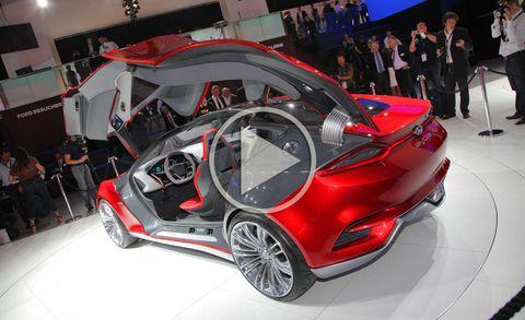 Automotive design, Event, Vehicle, Concept car, Car, Auto show, Exhibition, Personal luxury car, Alloy wheel, Automotive wheel system,