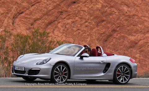 Tire, Wheel, Automotive design, Mode of transport, Vehicle, Alloy wheel, Rim, Car, Performance car, Sports car,