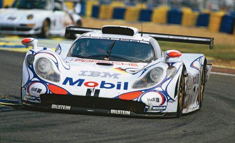 Land vehicle, Vehicle, Motorsport, Sports car racing, Car, Racing, Touring car racing, Sports car, Automotive exterior, Auto racing,