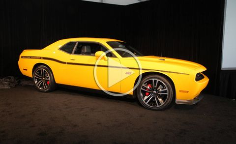 Dodge Charger Srt8 Super Bee And Challenger Srt8 Yellow Jacket Video