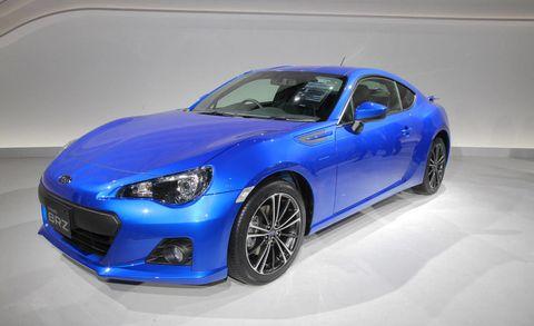 Tire, Wheel, Automotive design, Blue, Vehicle, Automotive wheel system, Hood, Rim, Automotive lighting, Car,