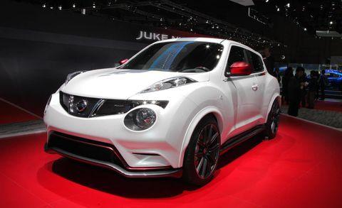 Motor vehicle, Tire, Automotive design, Vehicle, Land vehicle, Car, Automotive lighting, Headlamp, Fender, Hood,