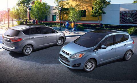Tire, Wheel, Motor vehicle, Vehicle, Automotive design, Automotive tire, Land vehicle, Car, Rim, Automotive wheel system,