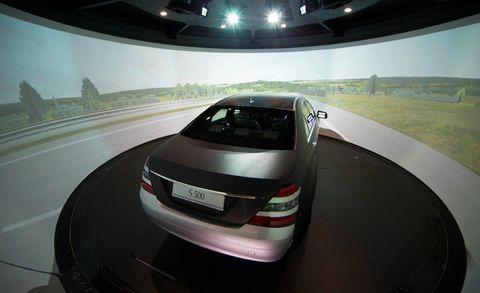 Mode of transport, Automotive design, Automotive tail & brake light, Vehicle, Car, Automotive mirror, Automotive exterior, Automotive lighting, Personal luxury car, Luxury vehicle,