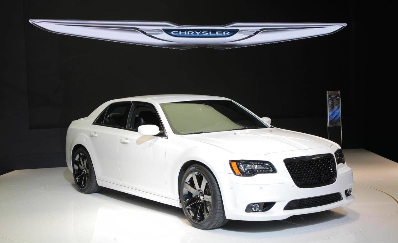 Chrysler 300 srt8 2011