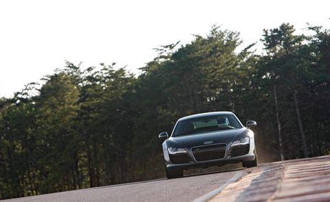 Automotive design, Automotive mirror, Grille, Hood, Car, Personal luxury car, Performance car, Luxury vehicle, Sports car, Headlamp,