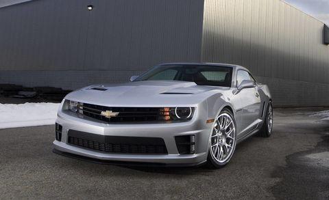 Tire, Automotive design, Automotive tire, Vehicle, Hood, Headlamp, Automotive lighting, Rim, Grille, Car,