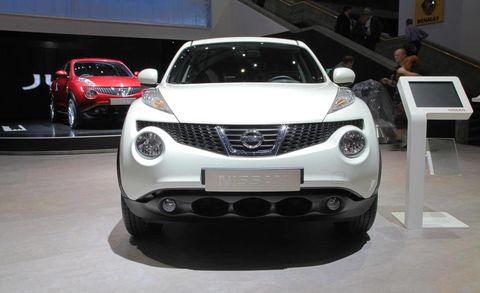 Vehicle, Automotive design, Event, Land vehicle, Automotive lighting, Car, Grille, Headlamp, Alloy wheel, Bumper,