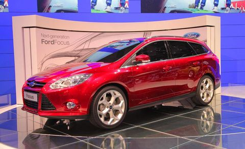 Tire, Wheel, Motor vehicle, Automotive design, Vehicle, Land vehicle, Automotive tire, Car, Automotive wheel system, Hatchback,