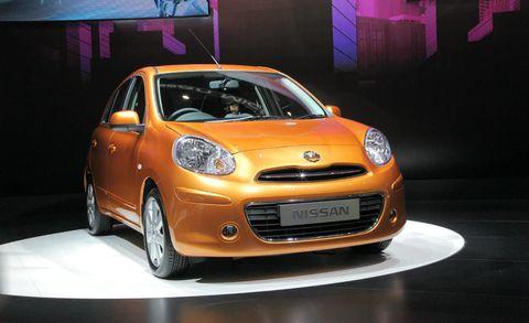 Motor vehicle, Tire, Automotive design, Vehicle, Land vehicle, Car, Headlamp, Automotive lighting, Vehicle door, Hood,