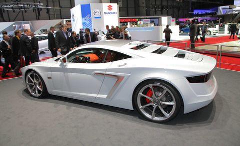 Clothing, Tire, Wheel, Automotive design, Mode of transport, Vehicle, Land vehicle, Car, Rim, Supercar,