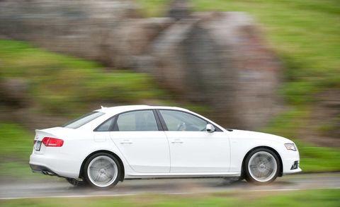 Tire, Wheel, Automotive design, Automotive tire, Alloy wheel, Vehicle, Rim, Spoke, Car, Automotive mirror,