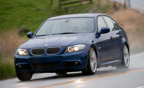 Tire, Automotive design, Vehicle, Land vehicle, Hood, Automotive mirror, Automotive tire, Car, Rim, Automotive lighting,
