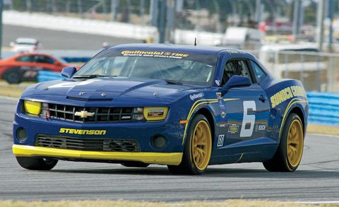 Tire, Wheel, Automotive design, Vehicle, Land vehicle, Hood, Car, Automotive tire, Motorsport, Auto racing,