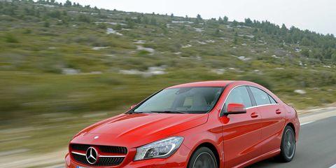 Mode of transport, Automotive design, Road, Vehicle, Car, Alloy wheel, Rim, Grille, Hood, Automotive mirror,
