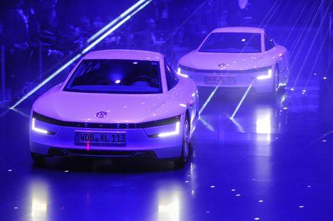 Mode of transport, Automotive design, Vehicle, Event, Land vehicle, Car, Personal luxury car, Automotive exterior, Auto show, Luxury vehicle,