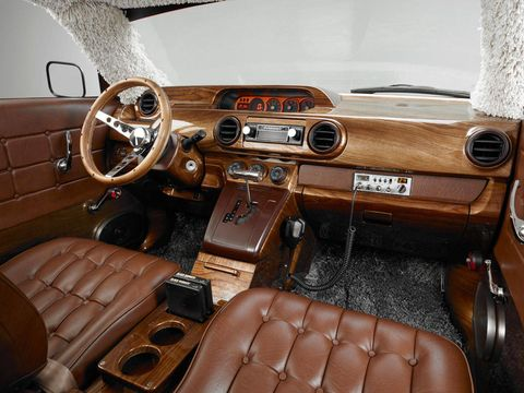Motor vehicle, Steering part, Brown, Steering wheel, Classic car, Car, Center console, Personal luxury car, Car seat, Classic,