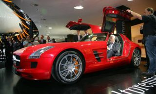 Tire, Wheel, Automotive design, Vehicle, Performance car, Car, Sports car, Supercar, Fender, Automotive lighting,
