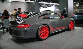 Clothing, Tire, Automotive design, Vehicle, Land vehicle, Car, Performance car, Alloy wheel, Rim, Personal luxury car,