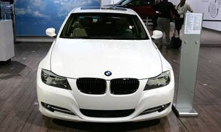 Motor vehicle, Mode of transport, Automotive design, Automotive exterior, Vehicle, Hood, Grille, Automotive lighting, Headlamp, Car,