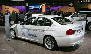 Tire, Wheel, Mode of transport, Automotive design, Vehicle, Vehicle registration plate, Alloy wheel, Land vehicle, Car, Rim,