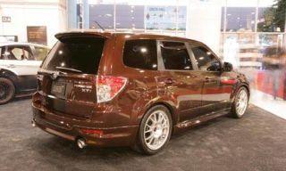 Tire, Wheel, Automotive design, Vehicle, Land vehicle, Automotive tire, Rim, Property, Car, Alloy wheel,