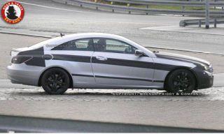 Tire, Wheel, Mode of transport, Automotive design, Automotive tire, Alloy wheel, Vehicle, Automotive wheel system, Rim, Infrastructure,