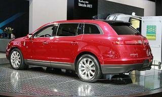 Motor vehicle, Tire, Wheel, Automotive design, Vehicle, Product, Land vehicle, Car, Transport, Rim,