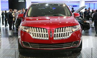 Vehicle, Product, Event, Land vehicle, Grille, Car, Photograph, Technology, Exhibition, Fashion,