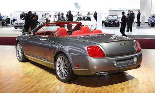 Clothing, Tire, Motor vehicle, Wheel, Mode of transport, Automotive design, Vehicle, Land vehicle, Car, Transport,