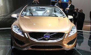 Motor vehicle, Mode of transport, Automotive design, Vehicle, Product, Event, Land vehicle, Grille, Automotive mirror, Transport,