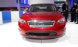 Motor vehicle, Automotive design, Mode of transport, Product, Vehicle, Automotive mirror, Automotive lighting, Headlamp, Land vehicle, Grille,