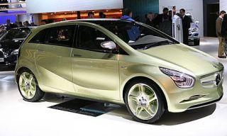 Tire, Motor vehicle, Wheel, Mode of transport, Automotive design, Automotive mirror, Vehicle, Product, Land vehicle, Transport,