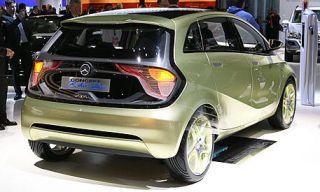 Motor vehicle, Mode of transport, Automotive design, Vehicle, Land vehicle, Car, Hatchback, Fender, Alloy wheel, Rim,