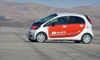 Motor vehicle, Tire, Wheel, Mode of transport, Automotive design, Automotive mirror, Transport, Vehicle, Land vehicle, Car,